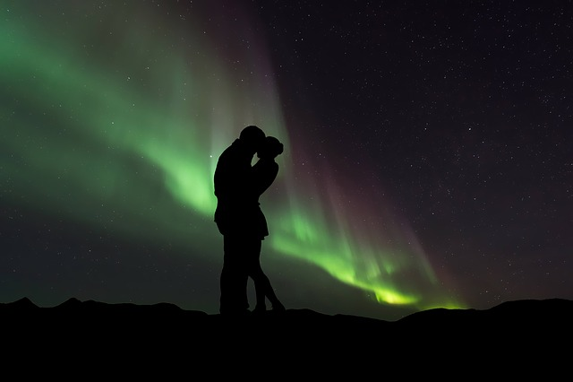 Silhouette Couple Aurora